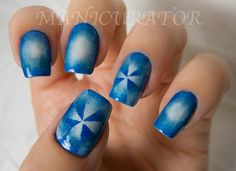 manicurator: nail art, polish, manicures and all things beauty blog: 31DC: Day 10 - Gradient/Digit-al Dozen Blue Week (framed gradient with reverse gradient pinwheel nail art)