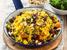 Mince and rice has never tasted this good. The nuts add a good crunch to the dish. Meat Recipes, Pasta Recipes, Cooking Recipes, Healthy Recipes, Healthy Food, South African Recipes, Ethnic Recipes, Beef Dishes, Ground Beef Recipes