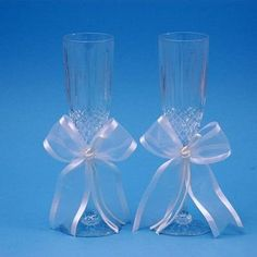 $52.86-$62.00 Ivy Lane Design Wedding Accessories Simplicity 24% Lead Crystal Toasting Flutes, Set of 2, White -  http://www.amazon.com/dp/B001LNRHHY/?tag=pin2wine-20