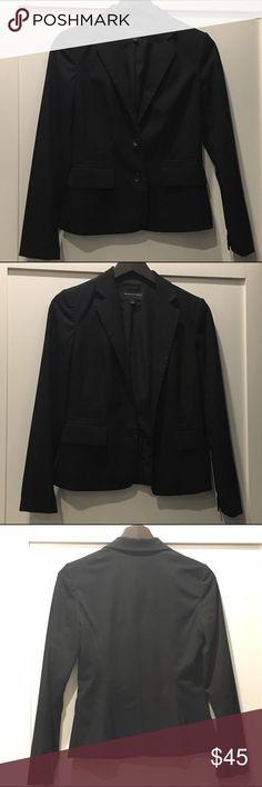 Banana Republic Black Blazer Banana Republic Black blazer with 2 buttons size 2 Banana Republic Jackets & Coats Blazers