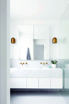 54 Premium Modern White Bathroom with White Cabinets Ideas - HomeCNB Bathroom Renos, Bathroom Cabinets, Bathroom Renovations, Bathroom Storage, Bathroom Ideas, Bathroom Organization, Bathroom Taps, Washroom, Modern White Bathroom