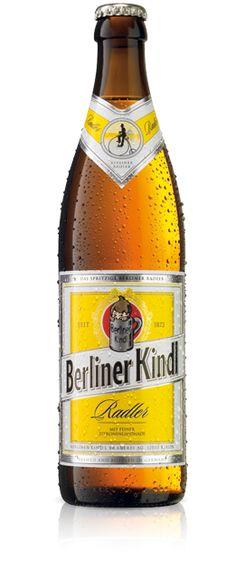 BERLINER KINDL RADLER - Berliner Kindl gibt es auch mit frisch-spritzigem Zitronengeschmack – als Berliner Kindl Radler. Aus 50 Prozent Berliner Kindl Jubiläums Pilsener und 50 Prozent extra feiner Zitronenlimonade gemixt, liegt Berliner Kindl Radler voll im Trend. Ob unterwegs oder zu Hause: Berliner Kindl Radler ist so spritzig wie Berlin.