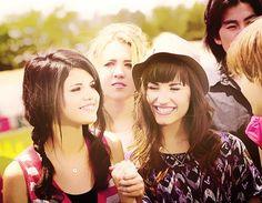 Selena Gomez Demi Lovato Alex Russo, Camp Rock, Demi Lovato, Selena Gomez, Princess Protection Program, Selena And Taylor, Disney Day, Latest Music Videos, I Love My Dad