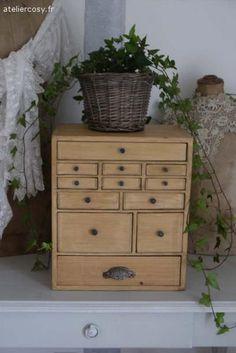 Petit meuble de métier ancien Brocante de charme atelier cosy.fr
