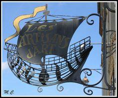 Sign Les Artisans d'Art, France.