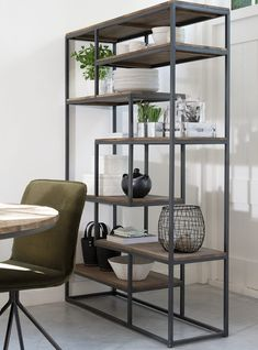 FD 220420 d-Bodhi Fendy cm Teak Black metal frame Bookcase Fendy is made from teak wood and has a black metal frame. Fendy d-Bodhi Steel Furniture, Industrial Furniture, Furniture Sets, Furniture Design, Home Living Room, Living Room Decor, Muebles Living, Open Bookcase, Regal Design