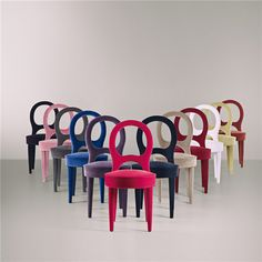 Wonderful twist on the dining chair. Bilou Bilou collection by Promemoria. Sofa Furniture, Luxury Furniture, Sofa Seats, Couches, Interior And Exterior, Interior Design, Take A Seat, Upholstered Chairs, Decoration