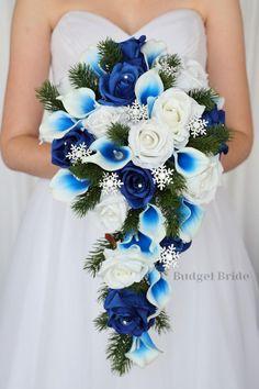 Cascading Wedding Bouquets, Blue Wedding Flowers, Bride Bouquets, Flower Bouquet Wedding, Blue And White Wedding Themes, White And Blue Flowers, Wedding Ideas Blue, Blue And White Roses, Wedding Blue