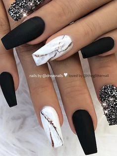 Matte Black, White Marble and Crystal Glitter on Coffin Nails Design Here are some cute winter nail designs between black and silver glitter nails, black and gold glitter nails, and black marble nails designs. Coffin Nails Matte, White Acrylic Nails, Summer Acrylic Nails, Best Acrylic Nails, Stiletto Nails, Nail Black, Black Marble Nails, Matte White Nails, How To Marble Nails