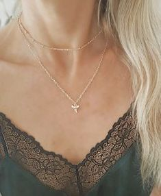Collier dent de requin or Gold Necklace, Engagement Rings, Jewels, Chain, Diamond, Stuff To Buy, Accessories, Galeries Lafayette, Style