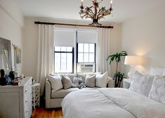 White, Comfortable Bedroom via @Gilda Locicero Therapy