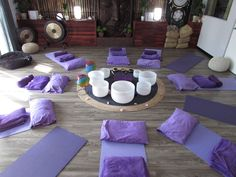 A unique experience of Sound & Vibrations, using Crystal & Tibetan Singing Bowls, Gasong Drums, Chimes, Drums & other Musical Instruments. Singing Bowl Meditation, Meditation Space, Mindfulness Meditation, Tibetan Bowls, Sound Bath, Meditation Exercises, Clinic Design, Sound Healing, Massage