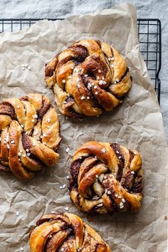 Cinnamon buns (kanelsnurrer in Danish) is our favorite hygge food! Kitchen Recipes, Baking Recipes, Dessert Recipes, Danish Food, Food Inspiration, Love Food, Sweet Recipes, Food Photography, Food Porn