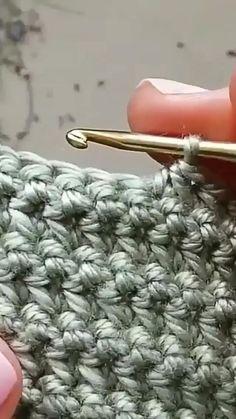 Easy Crochet Stitches, Crochet Simple, Crochet Stitches For Beginners, Crochet Diy, Crochet Videos, Crochet Basics, Crochet Crafts, Crochet Projects, Crochet Shawl