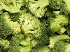 If you have done any research about healthy foods, you have heard about the wonders of broccoli. This vegetable has so many health benefits, you should eat it with almost every meal. If you have ever wondered what is so great about broccoli, here is. Fresh Broccoli, Broccoli Soup, Steamed Broccoli, Broccoli Casserole, Broccoli Smoothie, Growing Broccoli, Frozen Broccoli, Growing Vegetables, Soups