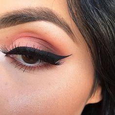 Gorgeous #VENUS look!  @makeupbykaribm used 'Shell' on lid, 'Creation' on crease, 'Muse' to deepen crease & 'Icon' on inner corner.