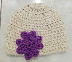 Crochet hat w/ flower