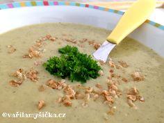 Extra rychlá polévka krémové konzistence, jejíž základ tvoří prověřená kombinace pórku a cukety. Vhodná pro dospělé i malé děti. Risotto, Food And Drink, Soup, Ethnic Recipes, Recipies, Soups