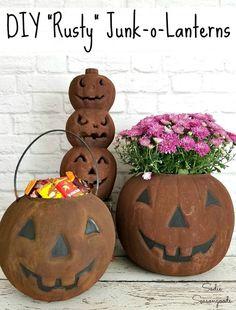Primitive Halloween Decor, Rustic Halloween, Outdoor Halloween, Diy Halloween Decorations, Halloween Pumpkins, Fall Halloween, Primitive Pumpkin, Halloween Party, Primitive Halloween Crafts