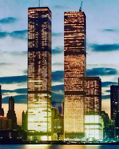 World Trade Center Nyc, Trade Centre, We Built This City, New York Subway, Vintage New York, Lower Manhattan, City Aesthetic, Googie, Wallpapers Android