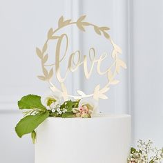A classic and beautiful gold wedding cake topper that will perfectly finish any wedding cake. Engagement Cake Toppers, Engagement Cakes, Wedding Cake Toppers, Wedding Cakes, Bouquet Wedding, Unique Cake Toppers, Gold Cake Topper, Acrylic Cake Topper, Spring Wedding