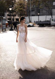 Halter Wedding Dress | Gali Karten 2017 Haute Couture Bridal | ElegantWedding.ca