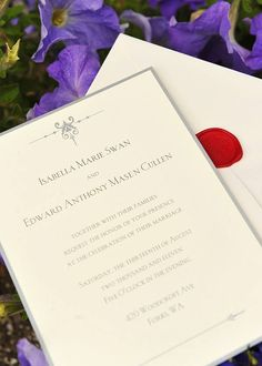 I want a simple and elegant invitation like this.. Edward & Bella Swan <3
