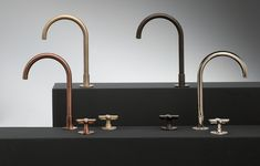 Bathroom taps: Icona Classic by Fantini, images Kitchen Taps, Bathroom Sink Faucets, Classic Bathroom, Modern Bathroom, Wall Mounted Basins, Shower Fittings, Purple Bathrooms, Style Tile, Minimalist Living