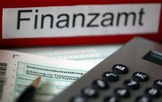 Umgang mit Steuererklärung: Finanzämter wälzen das Zinsrisiko auf die Bürger ab Finanzämter halten bei großen Summen Bescheide zurück, um Steuerschuldner in die Verzinsung zu treiben, klagt der Ste…