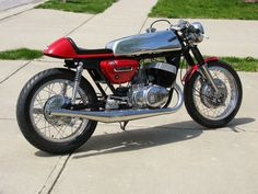 Suzuki T 500 Cafe Racer by Mark Wolf