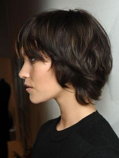 Brunette hairstyles - short haircut, easy hairstyle.