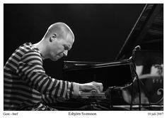 Esbjörn Svensson (* 16. April 1964 in Västerås, Schweden; † 14. Juni 2008 in Stockholm bei einem Tauchunfall)   war der Pianist und Komponist der schwedischen Jazzband Esbjörn Svensson Trio (auch E.S.T. oder e.s.t.). Er gilt als einer der herausragendsten Jazzpianisten der  letzten 15 Jahre und schuf mit seiner Band einen neuartigen Jazztrio-Klang, der mit seinen Anleihen   beim Sound der Pop- und Rockmusik dem Jazz neue Hörer erschloss.   Jazzformationen.