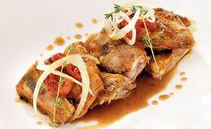 Ternasco de Aragón al chilindrón  Una receta muy aragonesa para el Día del Pilar Carne, Pork, Turkey, Beef, Gastronomia, Gourmet, Spanish Cuisine, Lamb, Kale Stir Fry