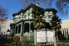 The Llewellyn Williams Mansion aka Sacramento International Hostel
