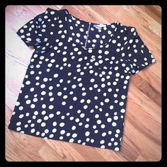 Black and white polka dot blouse Adorable black and white polka dot blouse! Size medium. Never worn tags removed. Has a slight puffy shoulder, faux pokey and exposed zipper detail on back. Great for work or a night out! Forever 21 Tops Blouses