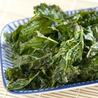 Collection of kale recipes + tips