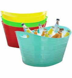 Display your party beverages in style when you use this Plastic Beverage Tub.