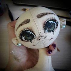 Как хочется скорее ее одеть!!!!!!! #куклыручнойработы #куклысазанович #куклы #текстильныекуклы #текстильнаякукла #авторскаякукла #ярмаркамастеров #большиеглаза #рисуемлицокукле #рисуемглаза #livemaster #dollstagram #doll #art #dollartist #artist