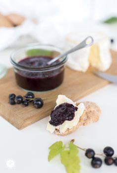 Würziges schwarzes Johannisbeer-Ingwer-Chutney, Rezept, lecker zu Käse und Fleisch