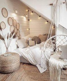 Cute Bedroom Decor, Bedroom Decor For Teen Girls, Room Design Bedroom, Girl Bedroom Designs, Room Ideas Bedroom, Home Bedroom, Girl Bedrooms, Bedroom Inspo, Attic Bedroom Ideas For Teens