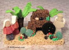 Easter Resurrection Edible Scene - Great craft to make with kids for Easter Sunday