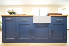 When it comes to kitchen design, the in-frame cabinet style is the go-to classic. A trove of understated British elegance, the in-frame cabinet style even lends itself to lively shades such as Farrow & Ball's Stiffkey Blue.  www.nakedkitchens.com