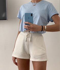 la femme dans lart on - Mode Outfits, Fashion Outfits, Travel Outfits, Fashion Clothes, Fashion Ideas, Fashion Tips, Easy Style, Elegantes Outfit, Cute Casual Outfits