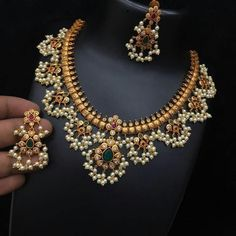 bridal jewelry for the radiant bride Silver Jewellery Indian, Indian Wedding Jewelry, Gold Jewellery Design, Bridal Jewelry, Gold Jewelry, Glass Jewelry, India Jewelry, Indian Bridal, Wedding Jewellery Designs