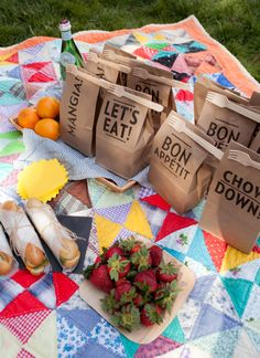 "We've found 16 more additions to our original list of Best DIY Picnic Food Ideas & Crafts!"" Read on & find a new DIY picnic idea for your next picnic! Picnic Bag, Picnic Time, Picnic Baskets, Picnic Parties, Beach Picnic, Dinner Parties, Picnic Menu, Outdoor Parties, Outdoor Entertaining"