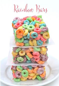 Fruit Loops Rainbow Bars...easy and delicious treat for St. Patrick's Day!