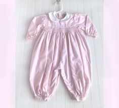 Fashion Costumes For Toddlers Vintage Baby Clothes, Vintage Kids, Pink And Green, Pink White, Toddler Costumes, Romper Pants, Fashion Line, Smocking, Ready To Wear