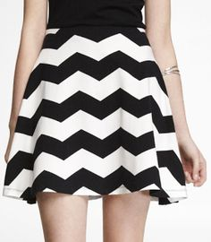 Love the black and white chevron in this skirt