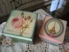 Cajas pintadas a mano y barniz dimensional en las tapas