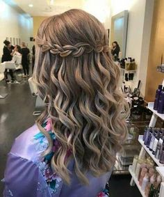 Ideal Waterfall Braided Hairstyles 2019 That are Simply Gorgeous - Hair Styles Medium Hair Braids, Braids With Curls, Braids For Short Hair, Long Curly Hair, Cool Braids, Medium Hair Styles, Curly Hair Styles, Braids Easy, Braids Cornrows